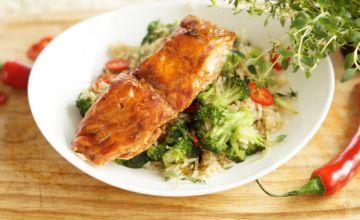 Лосось с рисом и брокколи